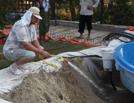 6 — Замывка песка с одновременным наполнением чаши водой
